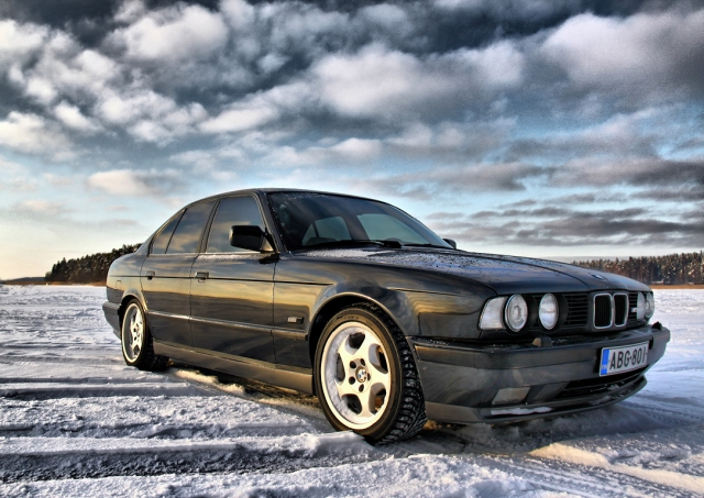 Old School E34 M5 | BMW Week